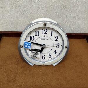 目覚まし時計,電波時計,リズム